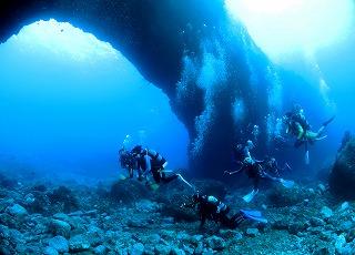 9月30日からメガネ岩ダイビング解禁です!